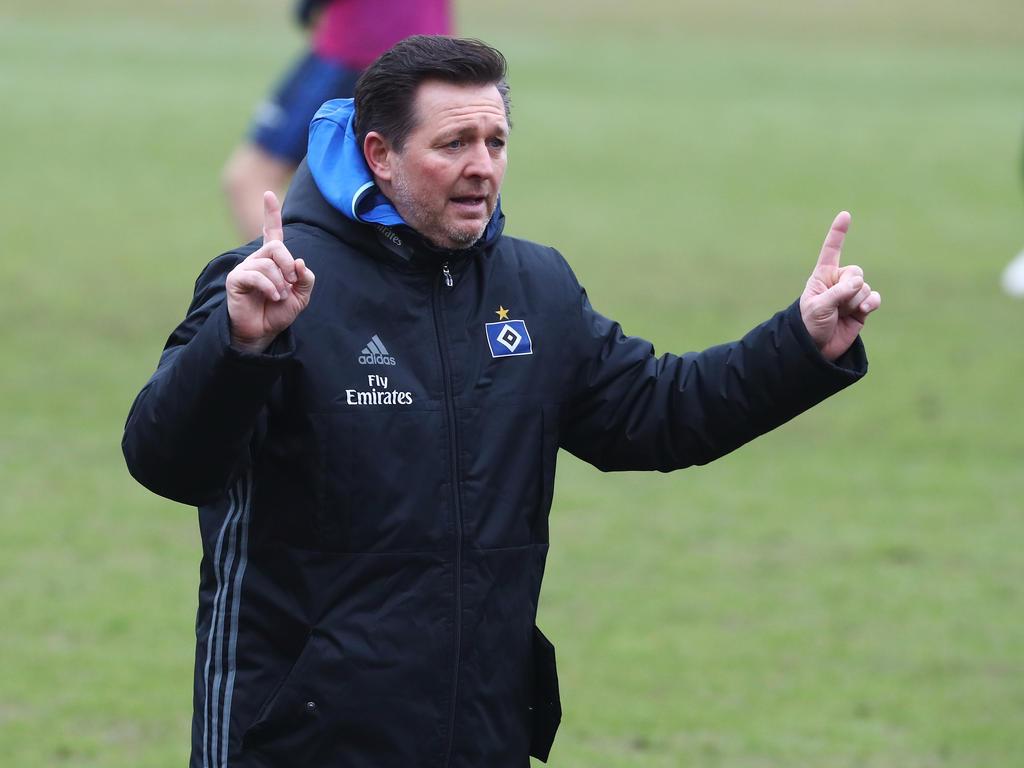 Christian Titz leitete am Dienstag sein erstes Training als Chefcoach des HSV