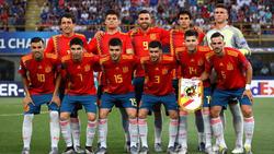 Once de España en el primer partido ante Italia.