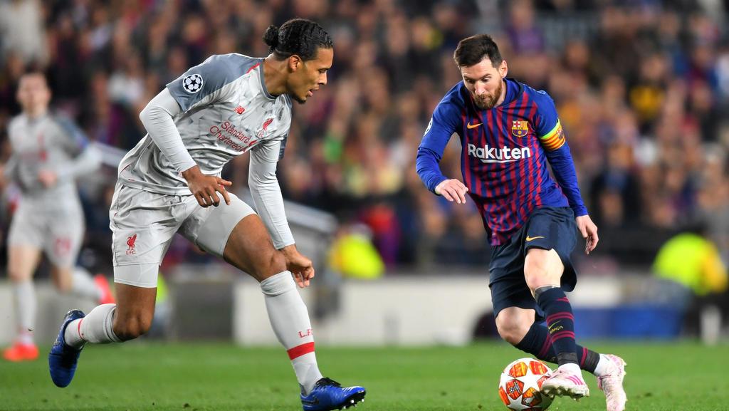 Lionel Messi (r.) holt den Titel angeblich zum sechsten Mal