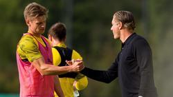 BVB-Sportdirektor Michael Zorc (re.) spricht unter anderem über Lukasz Piszczek