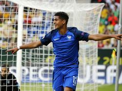Ludovic Blas heeft Frankrijk op een 2-0 voorsprong gekopt. Frankrijk en Italië spelen de finale van het EK onder 19.