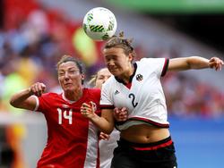 Melissa Tancredi (l.) vs. Josephine Henning (r.)
