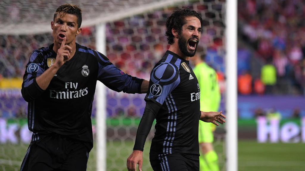 Cristiano Ronaldo (l.) und Isco spielten fünf Jahre gemeinsam für Real Madrid