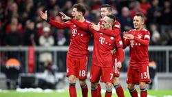 Franck Ribery celebra con sus compañeros del Bayern una diana. (Foto: Getty)
