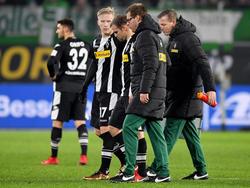 Zuvor war der 27-Jährige bei der 0:3-Niederlage am Sonntagabend beim VfL Wolfsburg bereits in der 31. Spielminute ausgewechselt worden