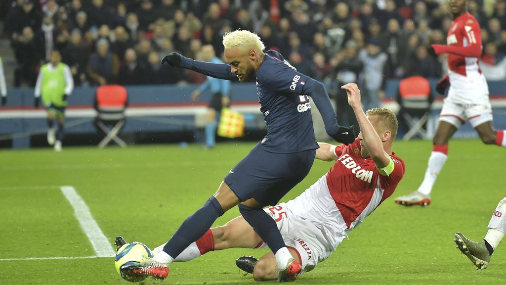 与冠状谜语法国足球搏