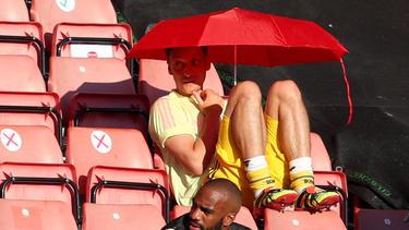 Mesut Özil findet sich beim FC Arsenal häufig auf der Tribüne wieder