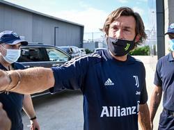 Pirlo se estrena como técnico de la Juve.
