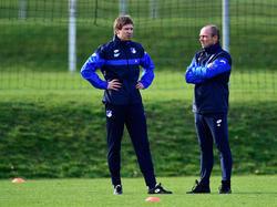 Alfred Schreuder (r.) hat seinen Vertrag als Co-Trainer bei 1899 Hoffenheim bis 2019 verlängert