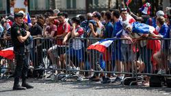 Viele Fans warteten vergebens etliche Stunden auf ihre Idole