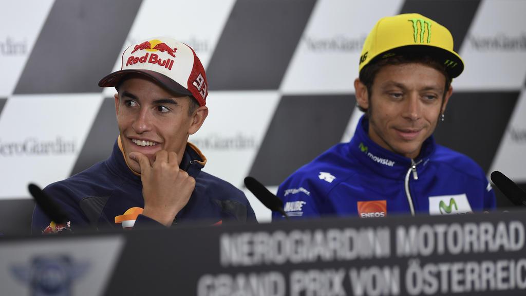 Marc Márquez (l.) jagt die Rekorde von Valentino Rossi