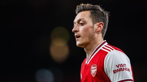 Mesut Özil schnappte sich Fortnite-Weltmeister Nyhrox für sein eSports-Team