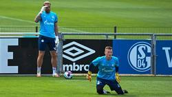 Schalke 04 plant vorerst mit Ralf Fährmann (l.) und Markus Schubert
