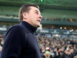 Dieter Hecking soll seinen Vertrag bei Borussia Mönchengladbach erfüllen