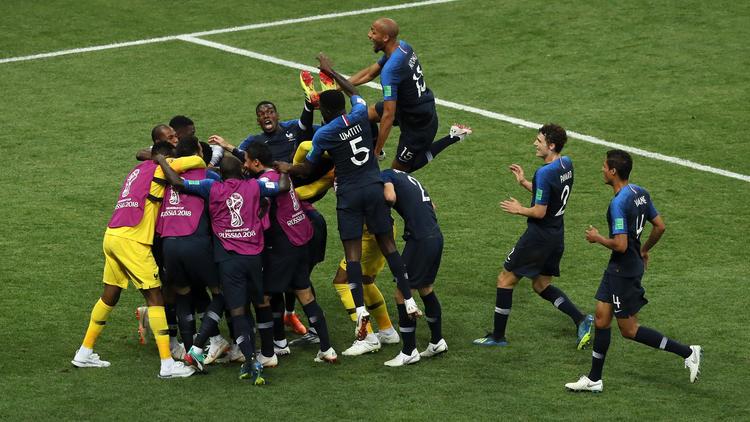 Los internacionales franceses celebran el título por todo lo alto. (Foto: Getty)
