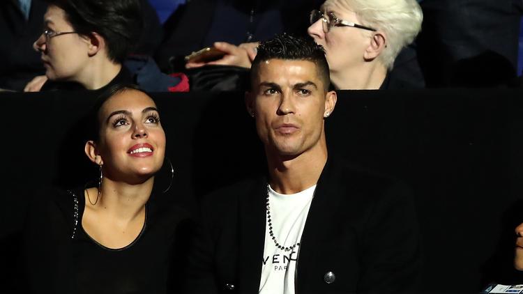Cristiano Ronaldo gönnte sind zwei sündhaft teure Flaschen Wein