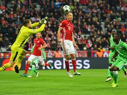 Seltener Anblick: Bayerns Arjen Robben erzielte gegen PSV ein Kopfballtor