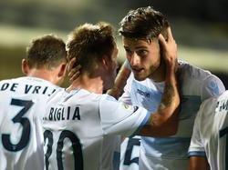Wesley Hoedt (r.) von Lazio Rom steht offenbar im Fokus des HSV