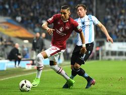 Kickt künftig bei Huddersfield Town: Abdelhamid Sabiri (l.)