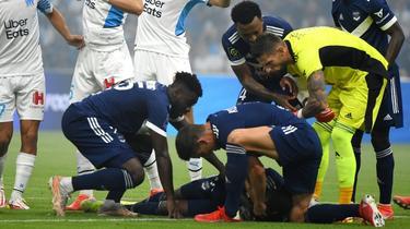 Girondins Bordeauxs Samuel Kalu bricht zusammen