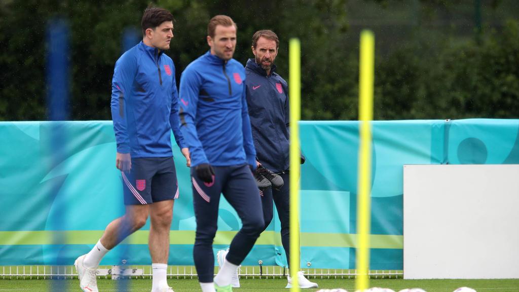 Englands Alphatiere Harry Maguire, Harry Kane und Gareth Southgate (v.l.)