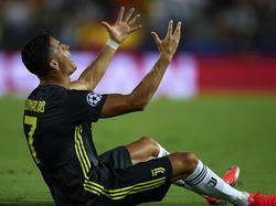 Cristiano se enfada tras ver la roja directa en Valencia. (Foto: Getty)