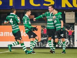 V.l.n.r: Kenneth Dougall, Loris Brogno, Paco van Moorsel en Zakaria el Azzouzi vieren de 0-1 in het bekerduel met Heracles Almelo. (15-12-2016)