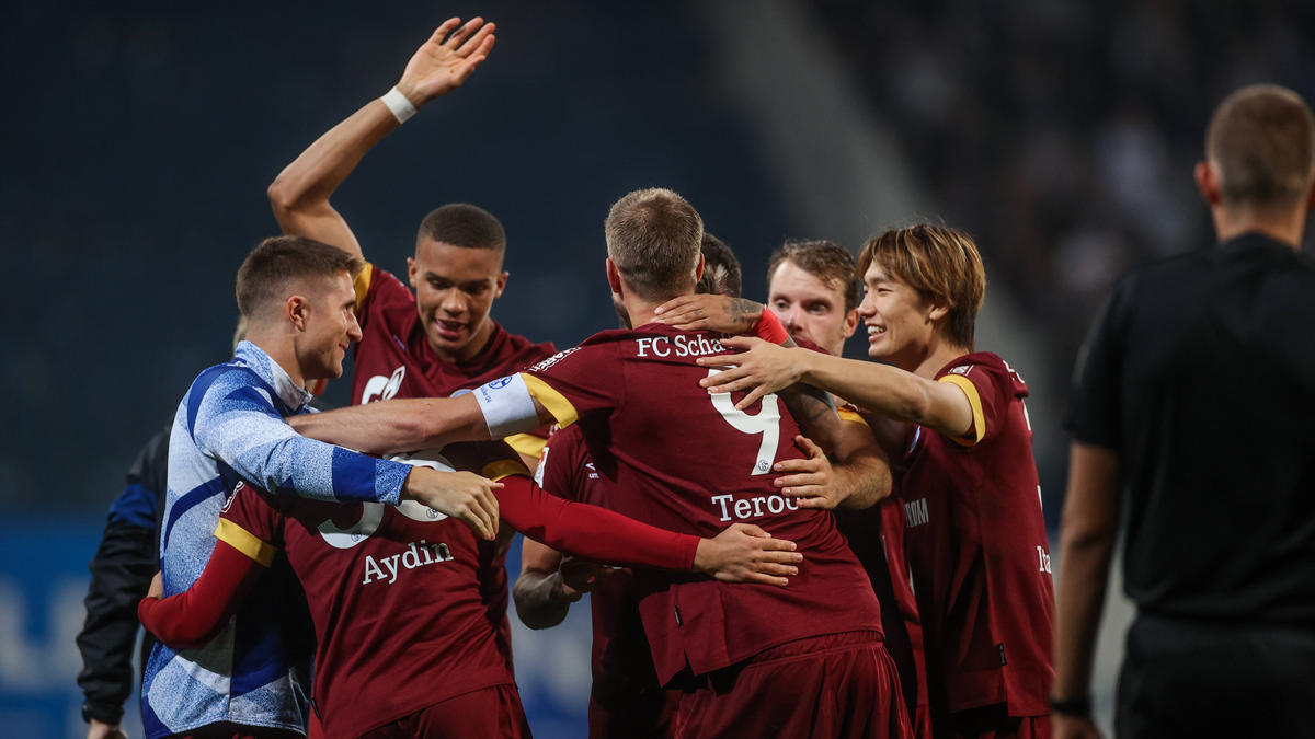 Der FC Schalke 04 hat bei Hansa Rostock gewonnen