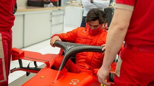 Bisher waren für Carlos Sainz im Ferrari nur Trockenübungen möglich