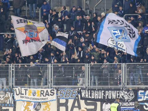 """Waldhof-""""Fans"""" sorgten beim Spiel gegen Offenbach für einen Eklat"""