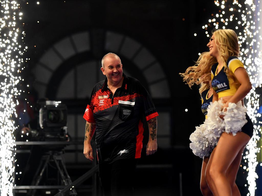 Phil Taylor greift bei der Darts-WM nach dem Titel