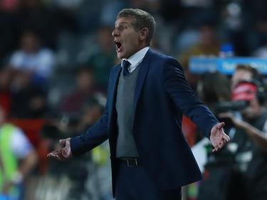 Palermo dio instrucciones constantes desde la banda.