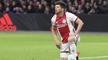 Huntelaar hat seinen Vertrag in Amsterdam verlängert