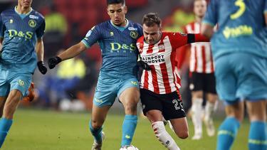 Mario Götze (r.) wirkte wieder für die PSV mit