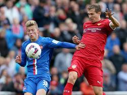 Tim Skarke (l.) hat beim 1. FC Heidenheim verlängert