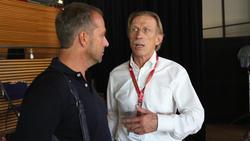 Christoph Daum (r.) im Austausch mit Hansi Flick