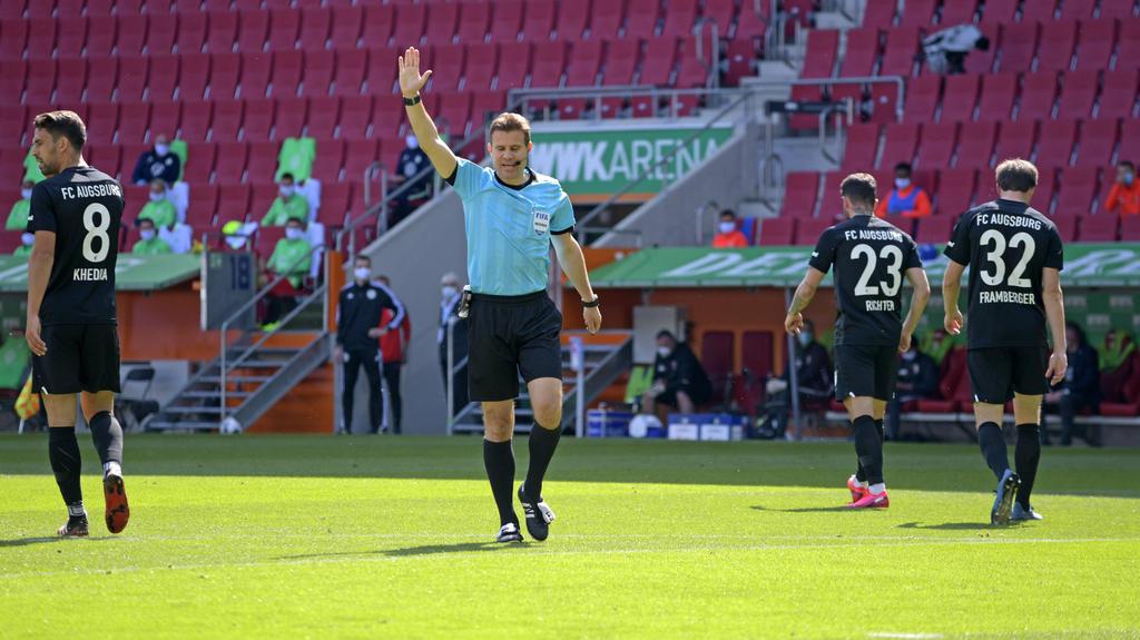 Dr. Felix Brych pfiff Augsburg vs. Wolfsburg