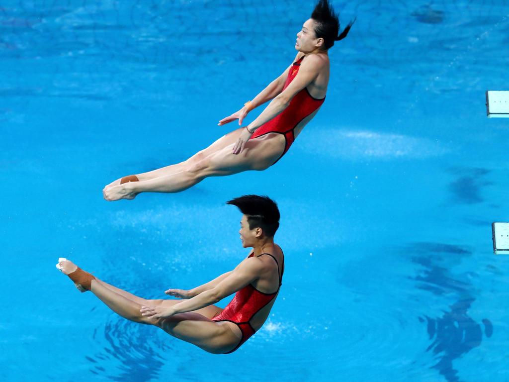 Minxia Wu (u.) krönte sich zur erfolgreichsten Wasserspringerin der olympischen Geschichte