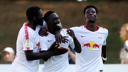 Ralf Rangnick soll Jean-Kevin Augustin (M.) und Nordi Mukiele (l.) für das Auswärtsspiel in Frankfurt aus dem Kader gestrichen haben