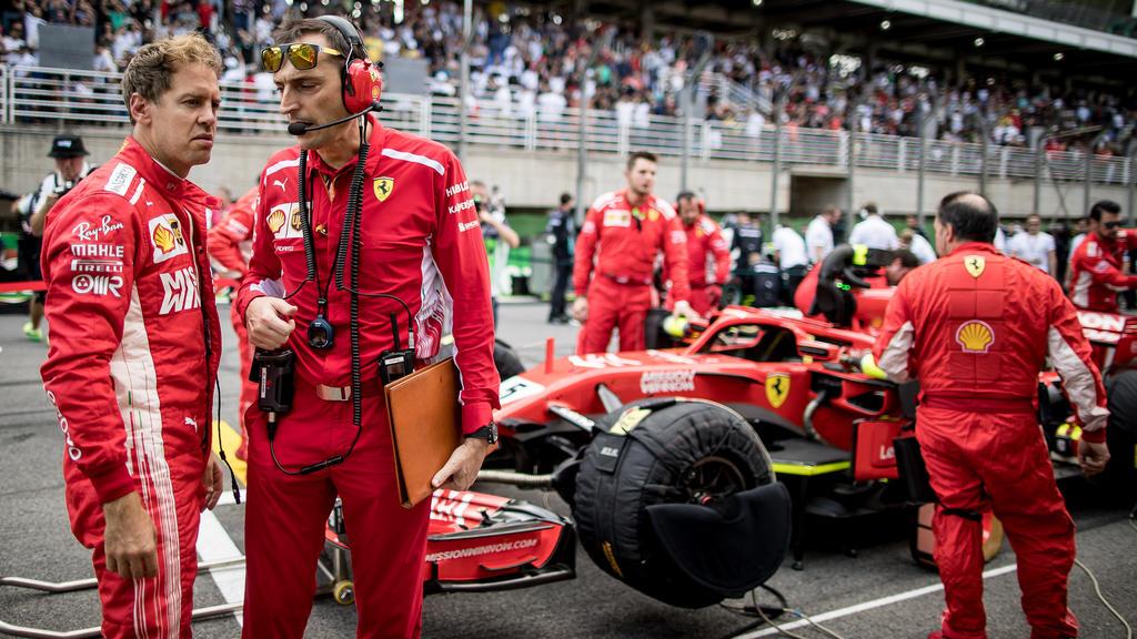 Malheur auf der FIA-Waage: Sebastian Vettel (li.) wurde ordentlich zur Kasse gebeten