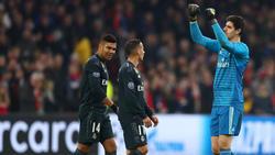 Courtois tiene que dejar los palos del Madrid por el momento.