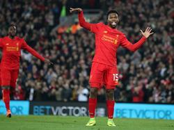 Daniel Sturridge maakt zijn tweede van de avond en zet Liverpool in het League Cup-duel met Tottenham Hotspur op een 2-0 voorsprong. (25-10-2016)