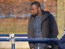 Gerald Asamoah greift als Verantwortlicher der Schalke-Reserve durch