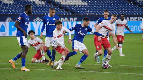In einem zähen Fußballspiel trennten sich Schalke und Stuttgart unentschieden