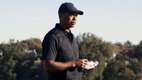Tiger Woods ist bei einem schweren Autounfall an den Beinen verletzt worden