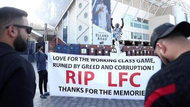 Viele Fans protestieren gegen die Super League