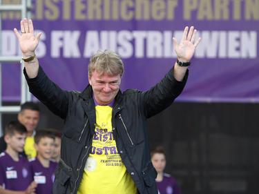 Die Wiener Austria holt bei der Nachbesetzung des Trainerpostens der Austria Amateure mit Andreas Ogris eine violette Ikone vor den Vorhang