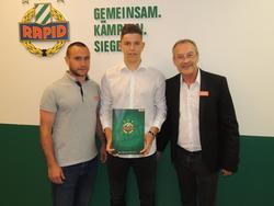 Martin Moormann mit Talente-Manager Steffen Hofmann und Sportdirektor Fredy Bickel