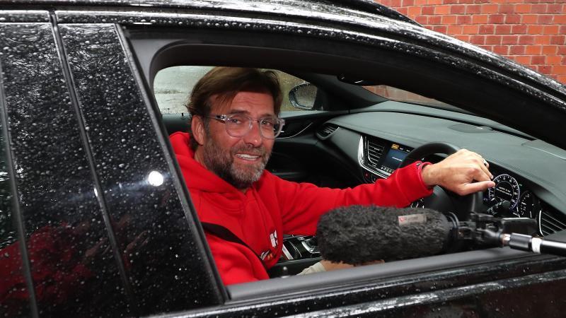 Jürgen Klopp hat die Liverpool-Fans dazu aufgerufen, zuhause zu bleiben