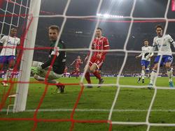 Arjen Robben und der FC Bayern setzten sich knapp gegen Schalke durch